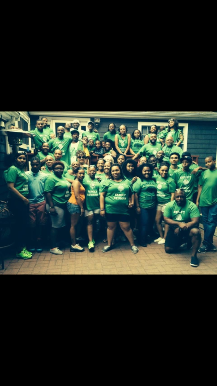 The Kelley Family 2014 T-Shirt Photo