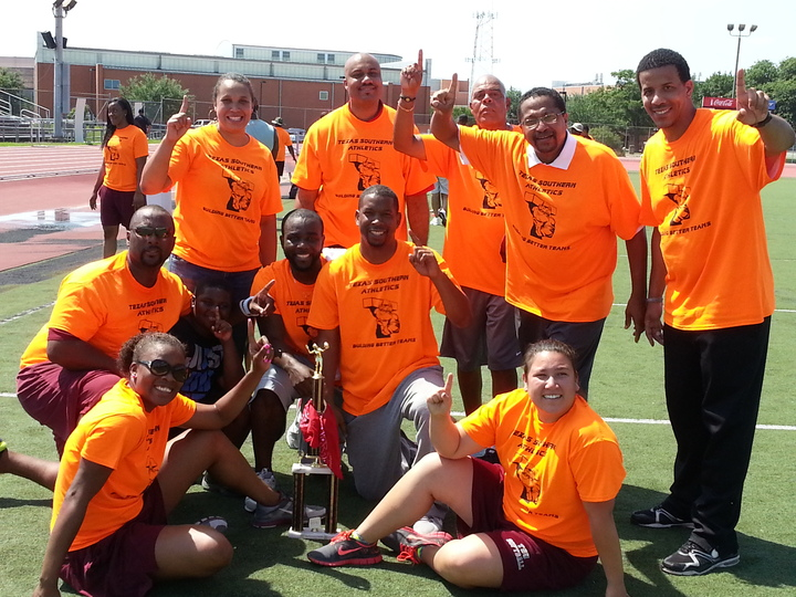 """Building Better Teams"" T-Shirt Photo"
