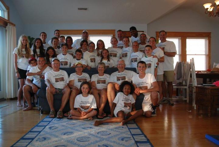 Awesome Family Reunion T-Shirt Photo