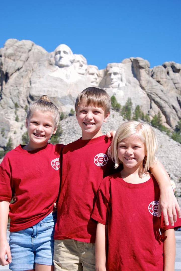 Mt Rushmore  Crouch Crew T-Shirt Photo