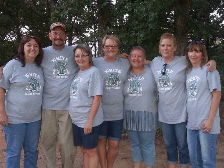 Cousins T-Shirt Photo