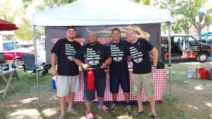 Mac Bbq Shack T-Shirt Photo