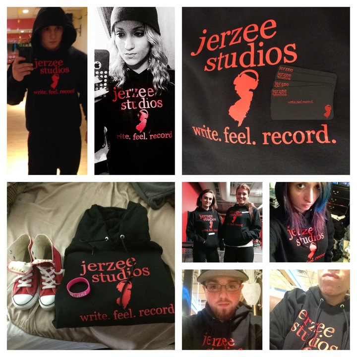 Jerzee Studios Supporters! T-Shirt Photo