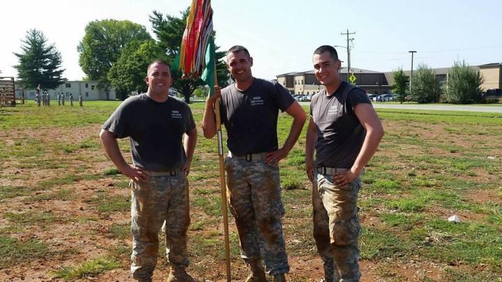 Thunder Esprit De Corps (Hhd, 716th Military Police Battalion) T-Shirt Photo