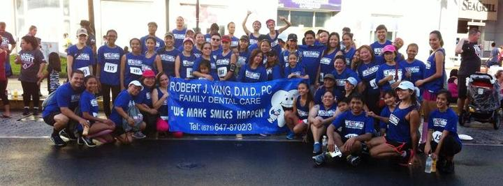 Dr. Yang's Smile Team Runners T-Shirt Photo