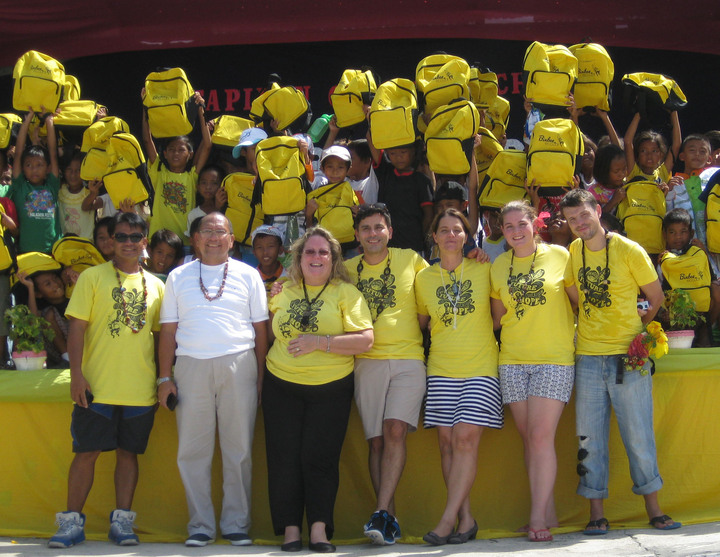 Bixbee   2,000 Schoolbag & Supply Donation T-Shirt Photo