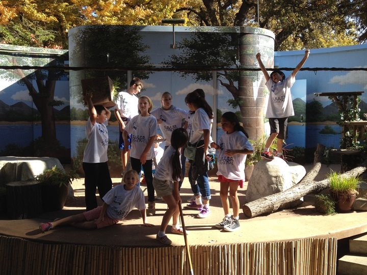 Svp Kids Volunteer At The Sacramento Zoo T-Shirt Photo