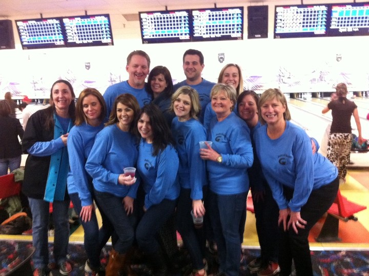 2015 Make A Wish Arthur J Gallagher Bowlers Of Record T-Shirt Photo