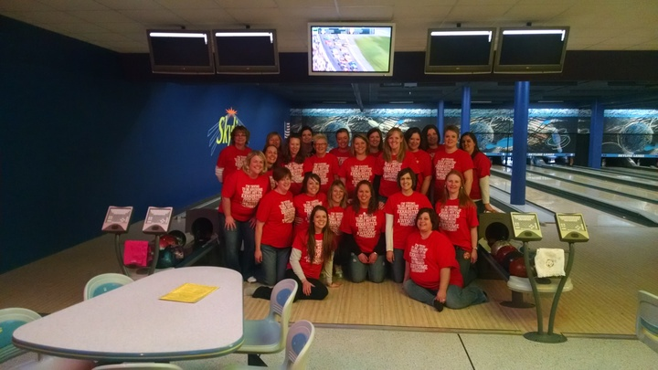 """Awesome"" Bowlers! T-Shirt Photo"
