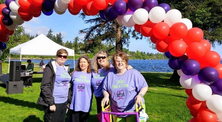 Lupus Walk Seattle 2015 T-Shirt Photo