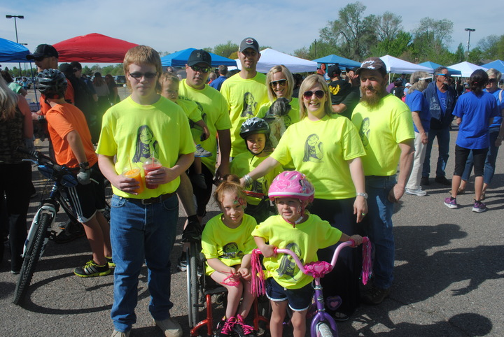 Team Morgan 2015 Walk And Roll For Spina Bifida T-Shirt Photo