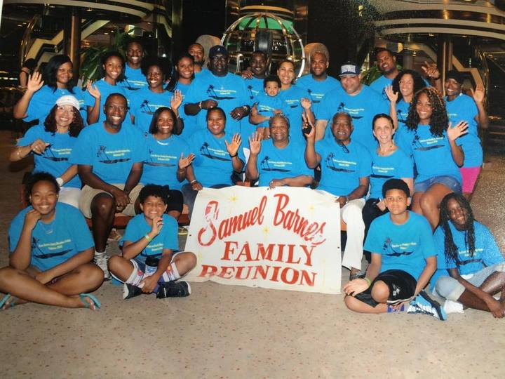 Family Cruise T-Shirt Photo