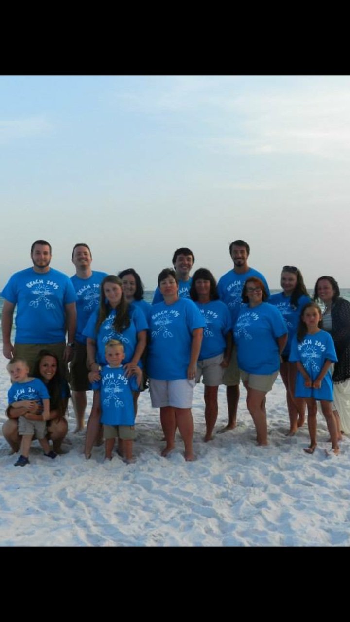 Hutchison Vacation T-Shirt Photo