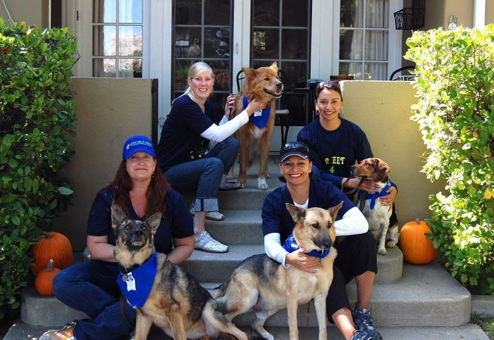 "Team ""2 Feet 4 Paws"" In The Wiggle Waggle Walk, Pasadena, Ca T-Shirt Photo"