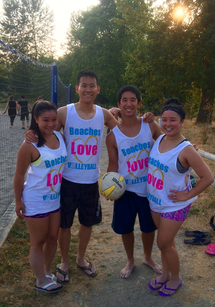 Beaches Love Volleyball T-Shirt Photo