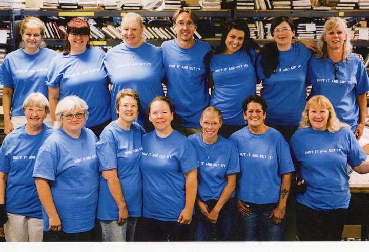 "The ""Shut It And Cut It"" Crew At Keepsake Quilting T-Shirt Photo"