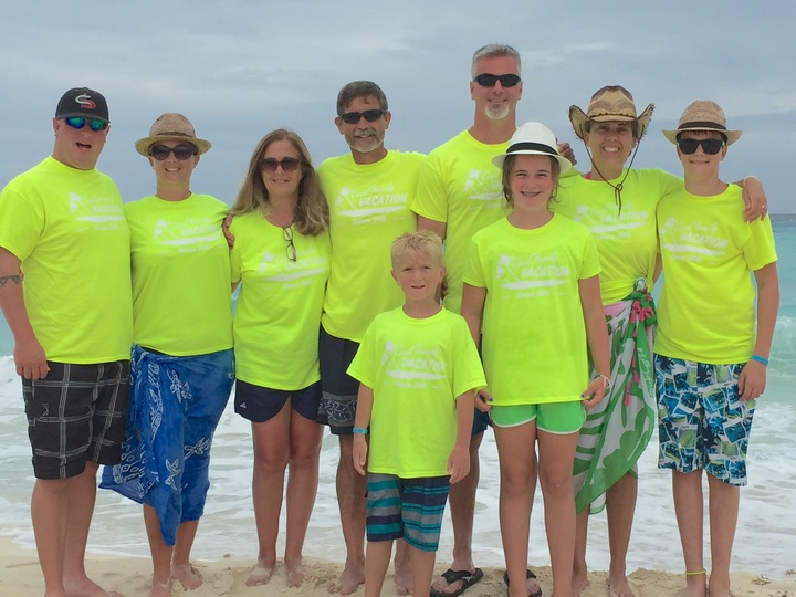 Cancun Family Vacation T-Shirt Photo