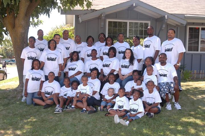 Henry Family Reunion 2008 Sacramento,Ca T-Shirt Photo