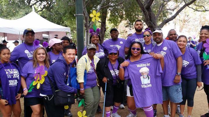 Walk To End Alzheimer's Team Willie Davis T-Shirt Photo