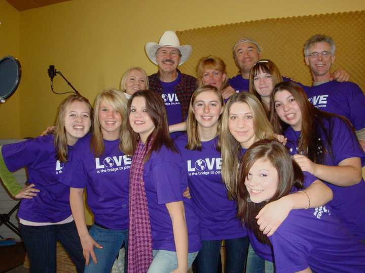 2008 Etp Teens & Friends Record Their Song! T-Shirt Photo