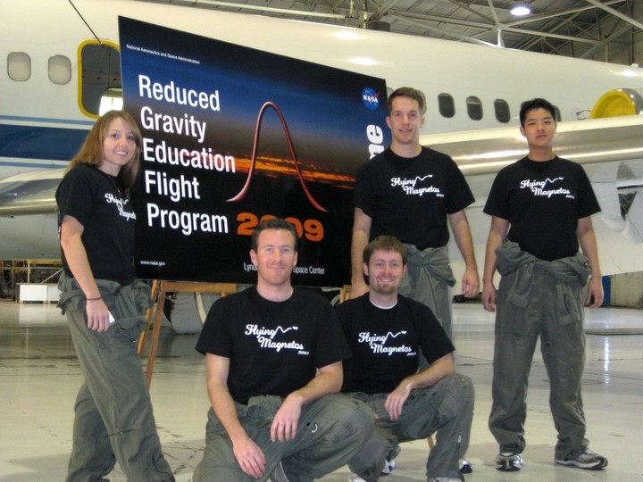 2009 Magnetism In Microgravity Team T-Shirt Photo
