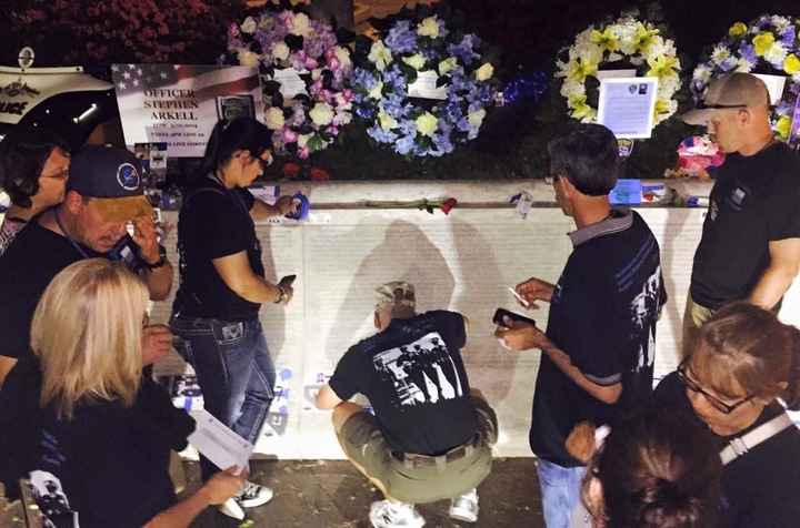 Texas Police Honoring Fellow Fallen Officer In Dc T-Shirt Photo