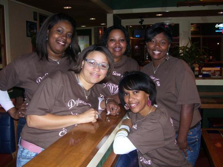 Elite Divaz At Chillis!!! T-Shirt Photo