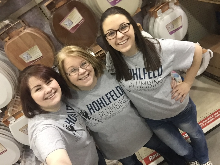 Hohlfeld Plumbing Toilet Seat Selfie T-Shirt Photo