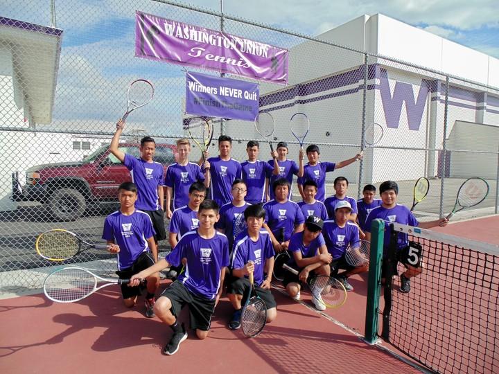 Wuhs Boys Tennis 2015/16 T-Shirt Photo
