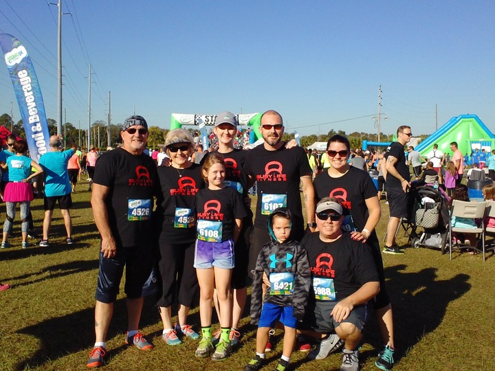 Busy Life Fitness Crew At The Insane Inflatable 5 K T-Shirt Photo