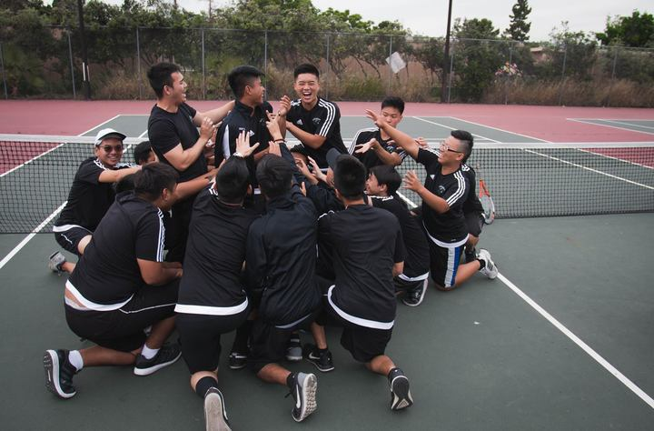 Ybhs Tennis Team 2015 2016 T-Shirt Photo