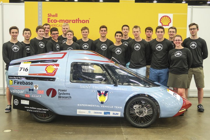 Student Engineers At Shell Eco Marathon 2016 T-Shirt Photo