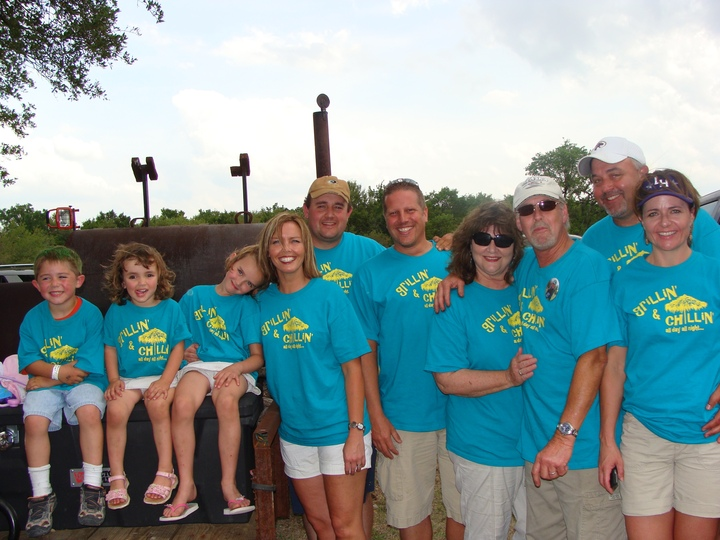 Grillin' And Chillin' Bbq Team T-Shirt Photo