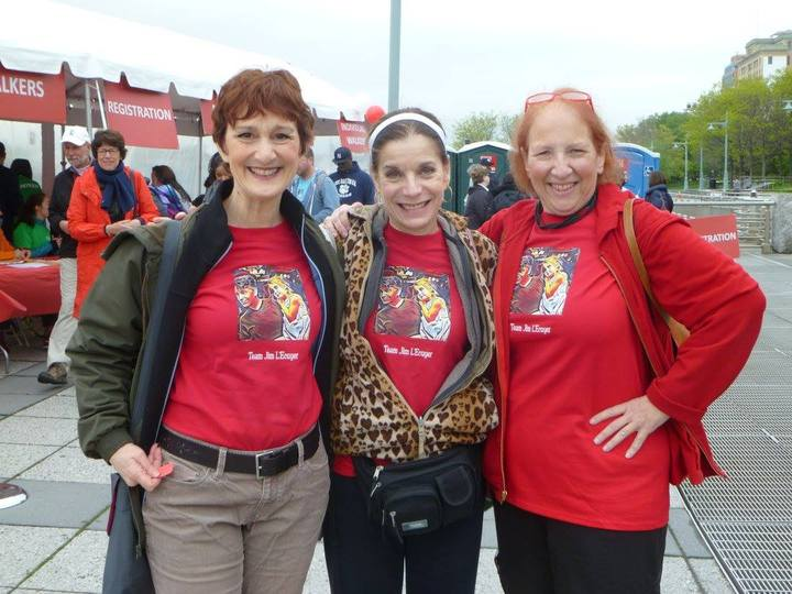 3 Ladies   Als Walk 2016 T-Shirt Photo