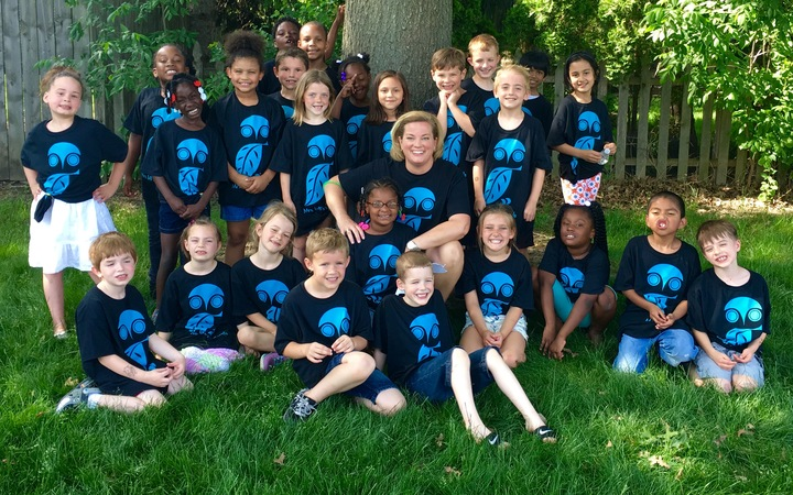 Mrs. Lv B's 1st Grade Owls! T-Shirt Photo