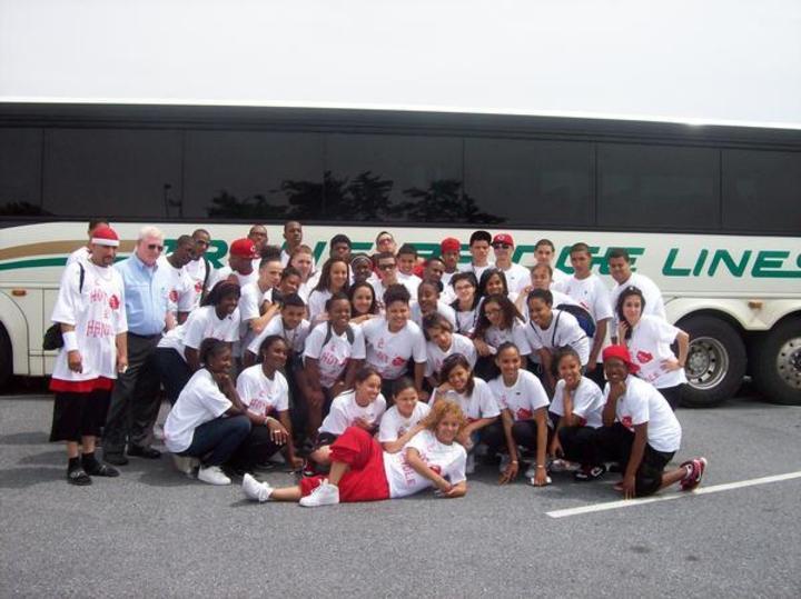 2 Hot 2 Handle Dance Crew 2009 Champions T-Shirt Photo