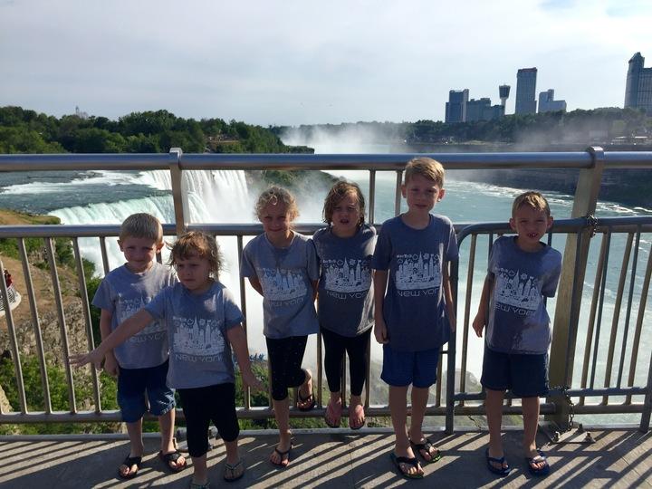 Niagara Falls T-Shirt Photo