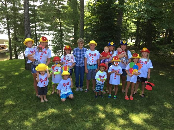 "Minocqua ""Great Grandkids"" Family Circus Trip T-Shirt Photo"