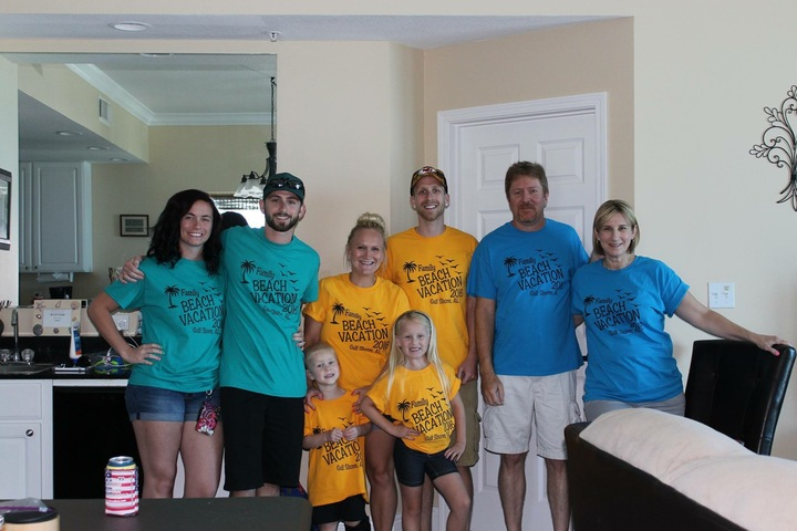 Beach Family Vaca!! T-Shirt Photo