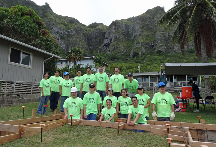In Synergy Building Homes In Hawaii! T-Shirt Photo