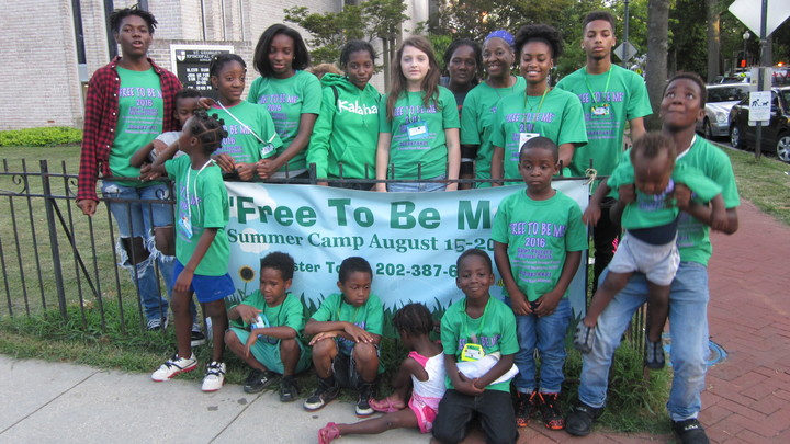 """""""Free To Be Me"""" Campers And Volunteers T-Shirt Photo"""