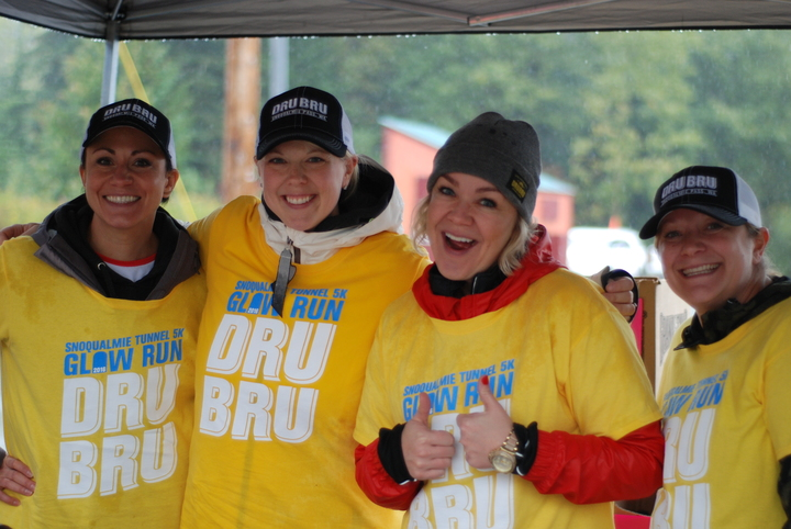 Dru Bru 5k Snoqualmie Tunnel Glow Run T-Shirt Photo