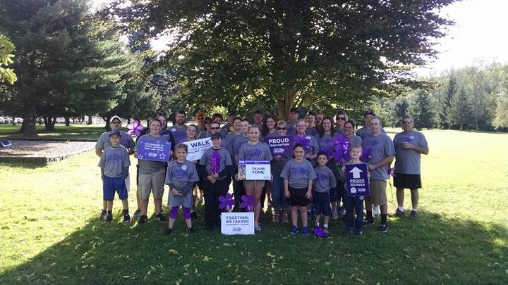 Team Tome Alzheimer's Walk Warren, Pa T-Shirt Photo
