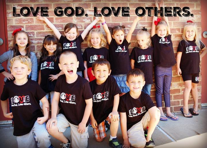 Kindergarten Class Of 2017 T-Shirt Photo