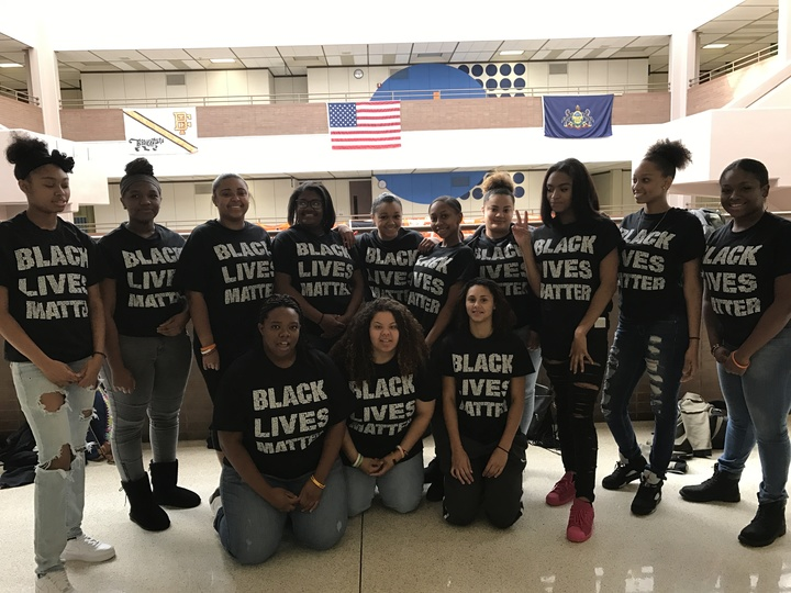 Black Lives Matter T-Shirt Photo