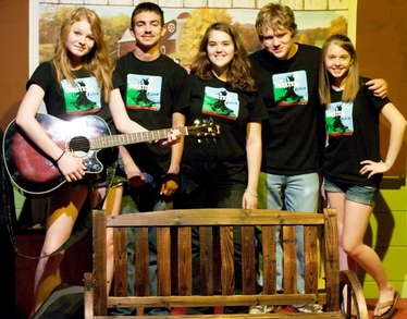 Musicians For The Play Greater Tuna T-Shirt Photo