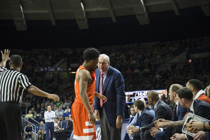 Syracuse's John Gillon hits buzzer-beater to upset Duke