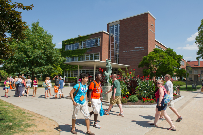 Syracuse Welcome 2012 Moving In Hinds Hall Exterior