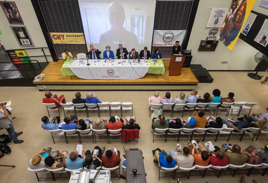 About 200 community members packed the center to hear the six democrats, one republican, one independent and one green party candidate speak at the Syracuse Mayoral Candidate Forum held Monday, June 19, 2017 at the Southwest Community Center in Syracuse, N.Y. Nine candidates for mayor fielded questions from moderators and the community about their positions in the race. Photo by Wasim Ahmad.