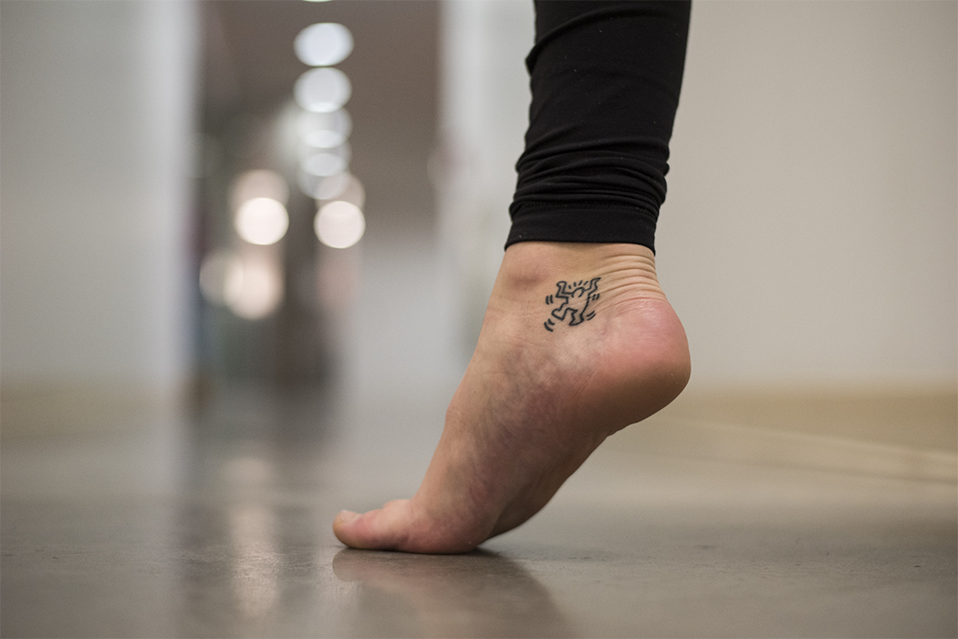Sophomore S Tattoos Represent Her Friendship Spontaneity And Dancing Feet The Daily Orange